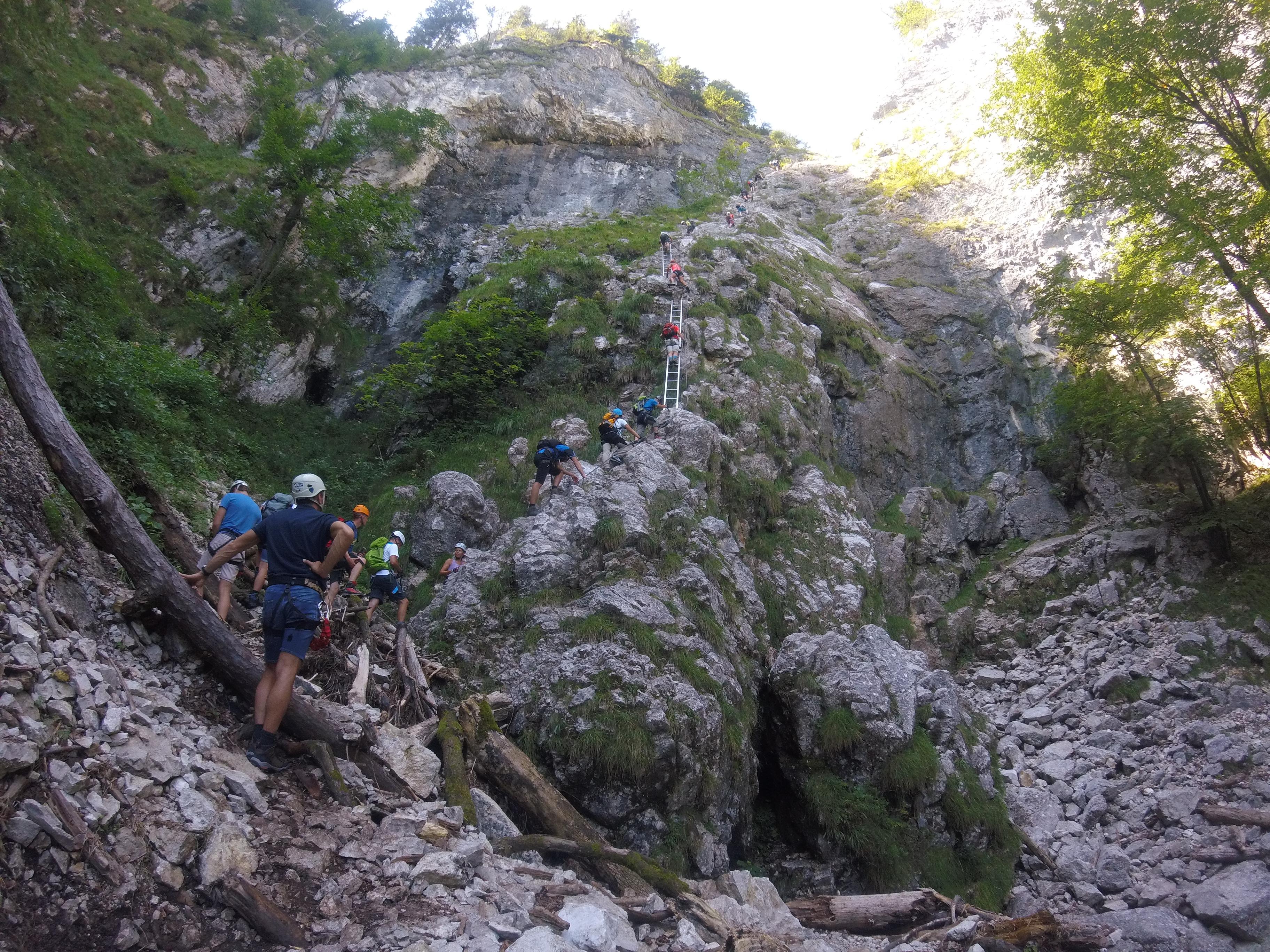 Klettersteig Wolfgangsee : Der drachenwand klettersteig am mondsee bergzeit magazin